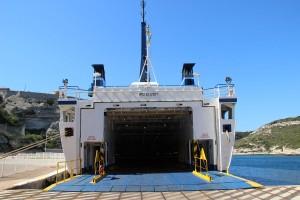 Traghetti, gli aumenti del porto di Civitavecchia preoccupano le autorità sarde