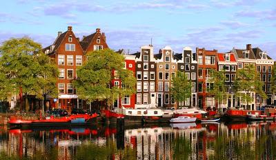 Olanda i canali di amsterdam in una mostra travelquotidiano for Case in affitto amsterdam lungo periodo