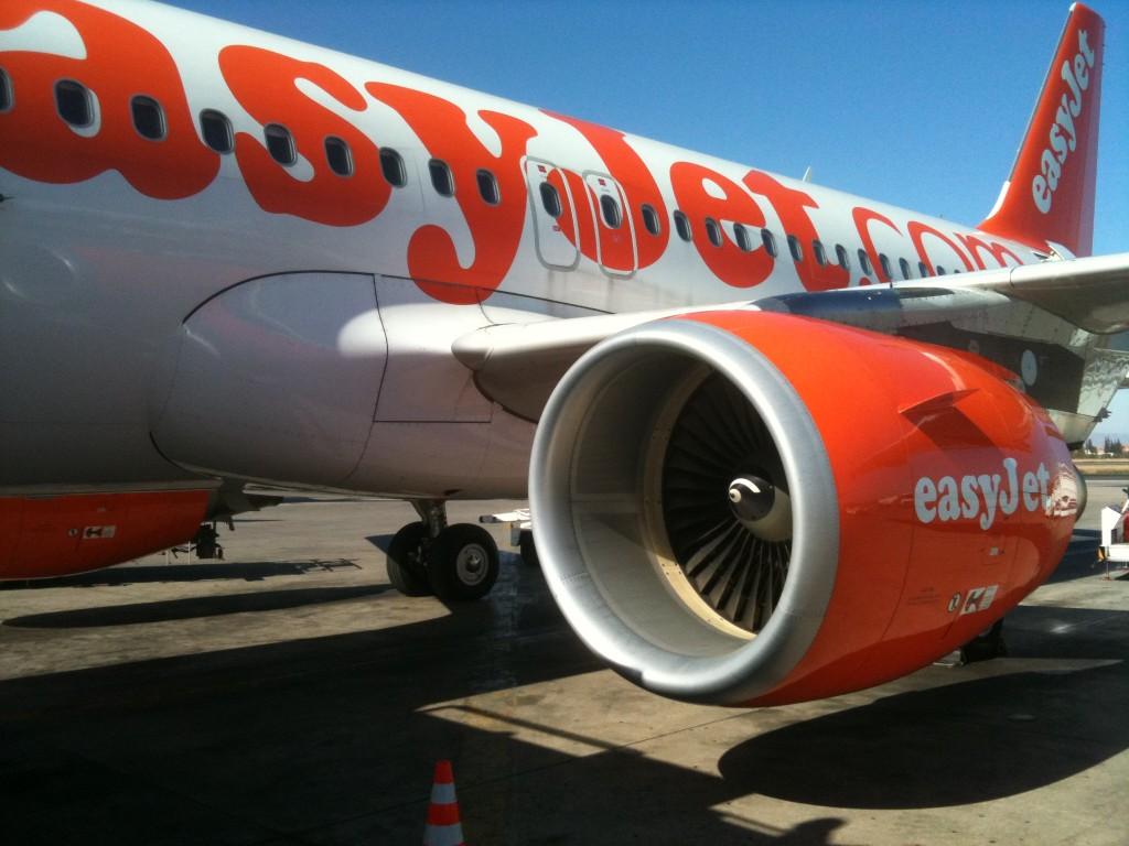 d6f518e94a EasyJet in relazione agli scioperi dei controllori di volo e dei dipendenti  statali del settore trasporti previsti in Francia rispettivamente l'8 e il  9 ...