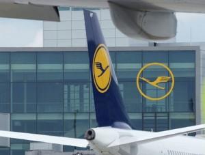 Gruppo Lufthansa: domani entra in vigore la fee da 16 euro