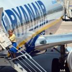 Ryanair: riparte a settembre la selezione del personale di volo in Italia