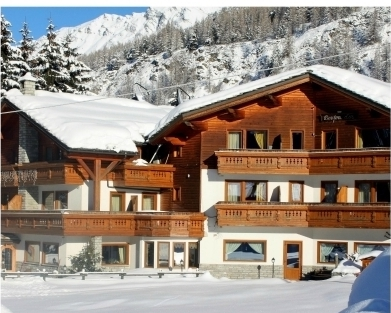 Logis new entry in valle d 39 aosta con l 39 hotel bouton d 39 or - Hotel con piscina valle d aosta ...