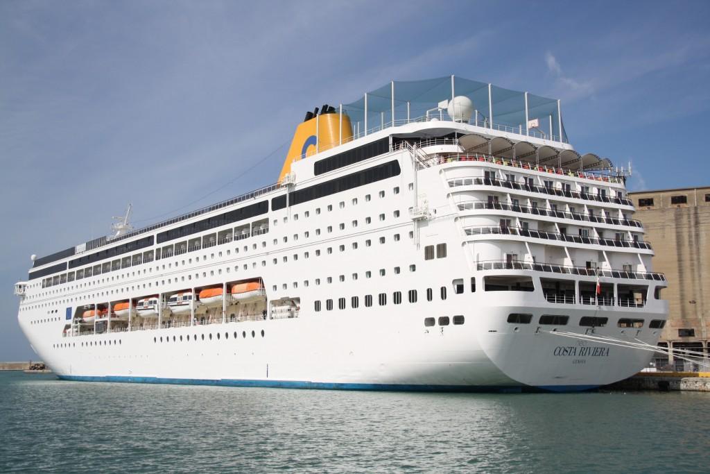 Costa neoriviera salpa per l 39 oceano indiano travelquotidiano for Costa neoriviera piano nave