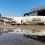 """Alitalia lancia """"ottieni un upgrade"""": ecco le aste per salire di classe"""