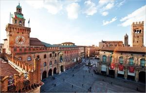 Una veduta aerea di piazza Maggiore, Bologna