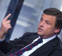 Calenda: «Nazionalizzare Alitalia? No. Le offerte d'acquisto sono serie»