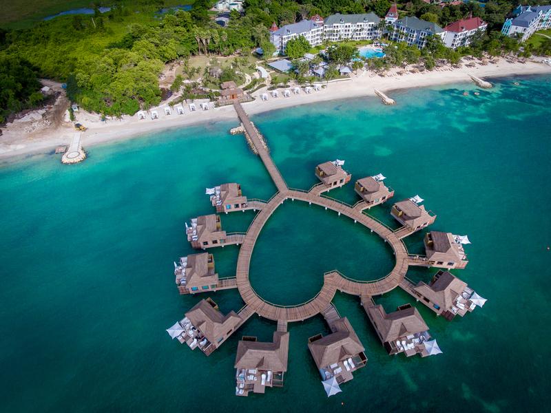 Vacanze Firma Resorts Di Accordo Un Gattinoni Con Mondo Sandals shQdtrC