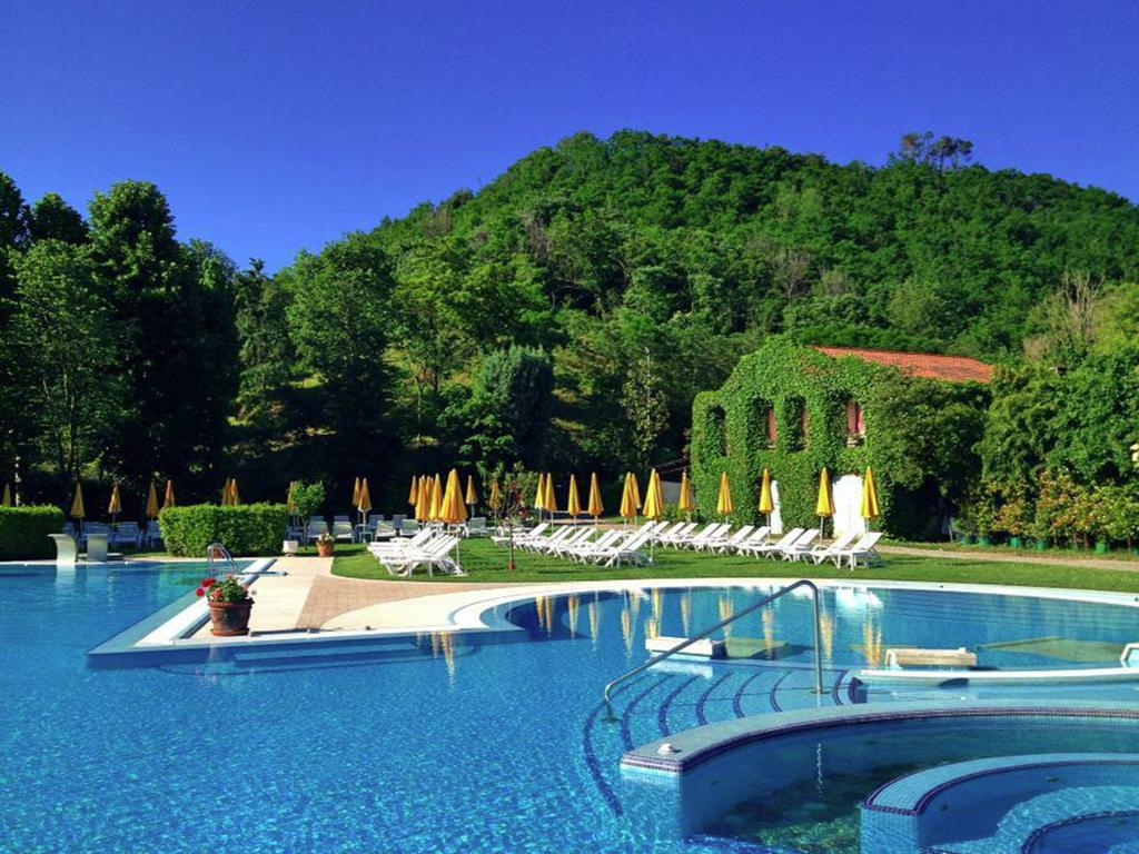 Montegrotto l 39 hotel terme preistoriche rafforza l 39 offerta - Piscine preistoriche ingresso giornaliero ...