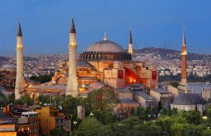 Turkish Airlines offre gratis il tour di Istanbul ai passeggeri in transito