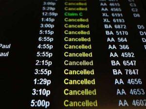 Scioperi dei controllori di volo, Iag e Ryanair minacciano denunce