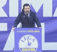 Alitalia, tocca a Salvini: «Deve restare italiana»