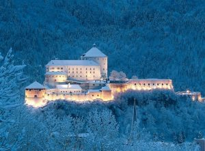 A Kufstein, nel Tirolo austriaco, due mercatini natalizi contemporanei