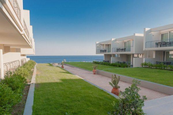 Garibaldi hotels ricerca 60 figure professionali - Bagno 19 santa cesarea terme ...