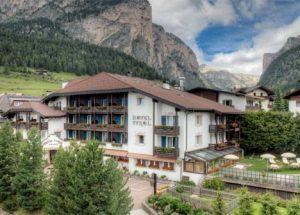 Vino a tavola, e vino alla spa: i trattamenti particolari alla Paravis spa dell'hotel Tyrol