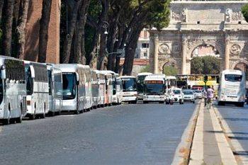 Roma: le associazioni chiedono di rinviare al 2020 il nuovo piano per ibus