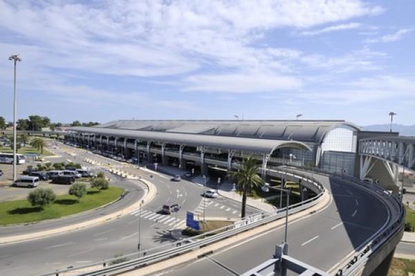Aeroporto Cagliari : Aeroporto di cagliari nuova vip lounge per meridiana e