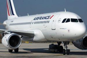 Air France taglia capacità sul corto raggio e 465 posti di lavoro