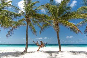 Sandals Resort, il nuovo trend di coppia è l'engage(ment) moon