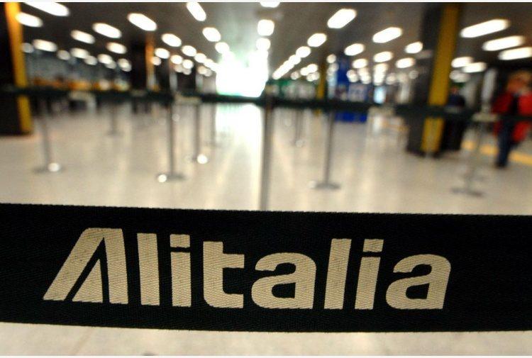 Su Alitalia l'ultima parola è di Delta: o entra Atlantia o non se ne fa niente