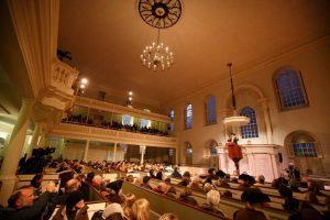 """Boston festeggia l'anniversario del """"Tea Party"""""""