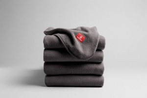 Emirates introduce le coperte ecosostenibili