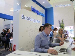 Booking.com: la ripartenza passa dal turismo domestico