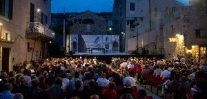 Liguria, estate a Ponente con i festival di Borgio Verezzi e di Cervo