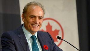 Aria di consolidamento nei cieli canadesi: Air Canada vuole Air Transat