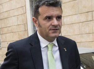 Centinaio: «La tassa di sbarco in Sardegna? Un autogol»