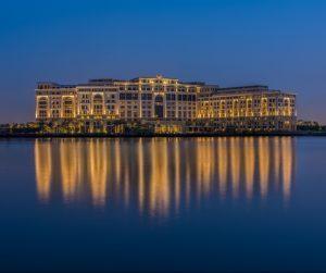 Mappamondo a Dubai: accordo esclusivo con Palazzo Versace