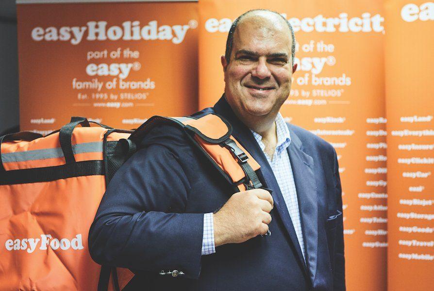 Intanto il fondatore di easyJet incassa un dividendo di 60 milioni di sterline.