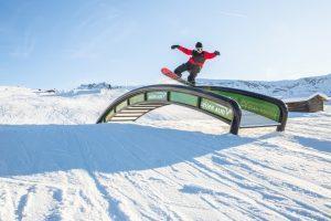 FIS World Cup Slopestyle Snowboard & Freeski ai blocchi di partenza allo snow park dell'Alpe di Siusi