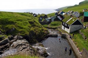 Faroe, 18 isole sconosciute per una vacanza tutta natura