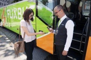 FlixBus porta a bordo la libreria digitale, da giugno