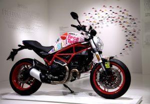 """Rimini: """"Manifesto turistico"""" Ducati, un Monster 797 personalizzato da Aldo Drudi"""