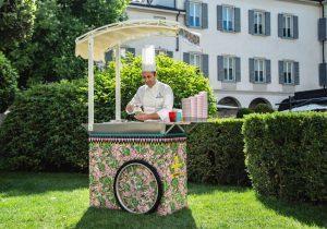 Four Seasons Milano: il gelato si serve su carrello e coppette griffate Jj Martin