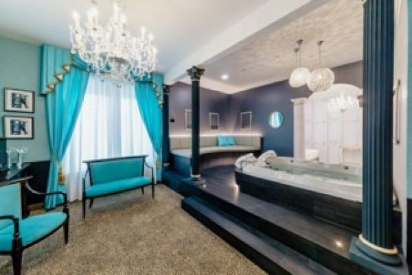 Collegno debutta l 39 hotel diamante con suite ispirate al for Hotel design torino