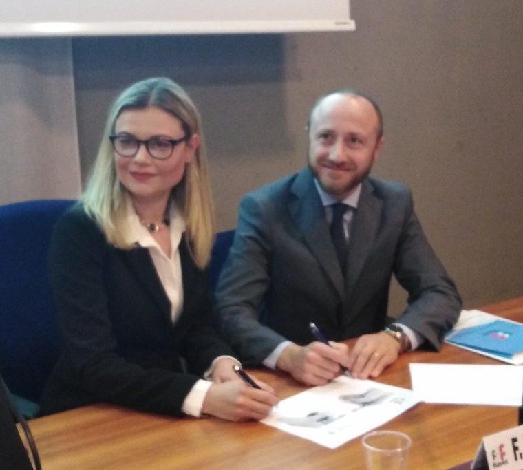 Fiavet: nuovo modello contrattuale per adv. Con Adiconsum