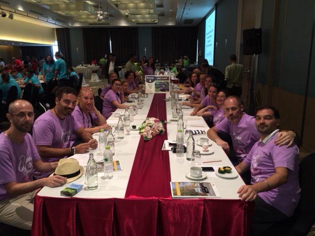 Gran finale per Unchan: prima nella gara di presentazioni nel mega famtrip Thailandia