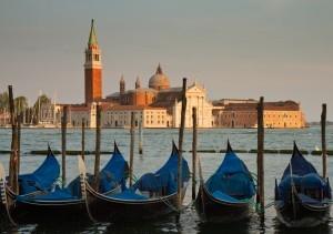Venezia, tutto pronto per la Mostra del Cinema. E arriva il decalogo per i turisti