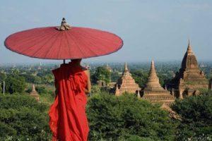 KiboTours, viaggio in Myanmar per il Phuang Daw Oo Pagoda festival