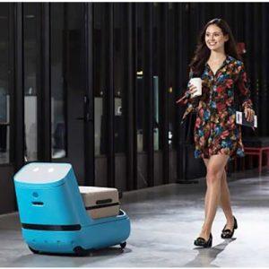 Klm presenta Car-E: l'assistente robot in aeroporto