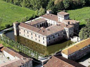 Castello di Padernello apre per la prima volta al pubblico