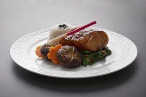 Qatar Airways rinnova la ristorazione in Business e First Class