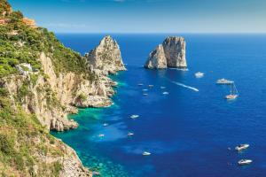 Romeo Experience, in vespa o in elicottero per scoprire Napoli e dintorni