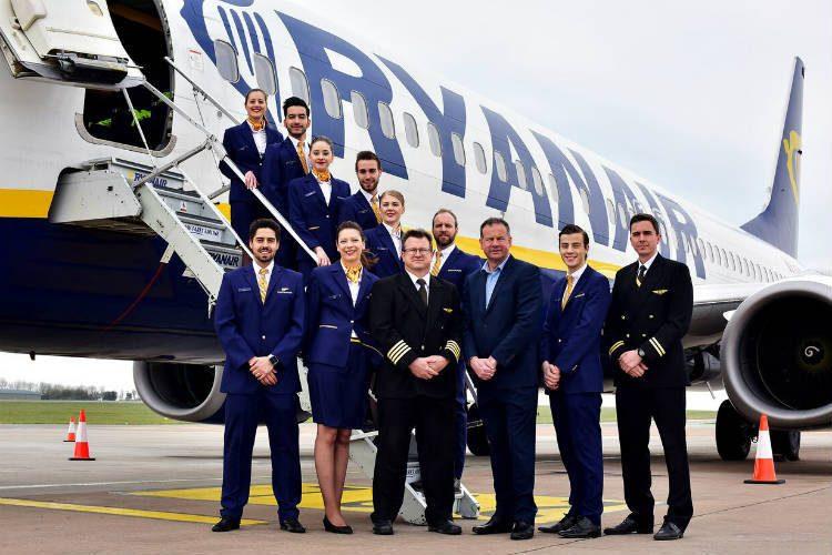 Ryanair ai piloti UK: o andate in congedo o fate la fine dei lavoratori di Thomas Cook