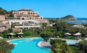 Si concretizza il deal Oaktree – Castello sgr per il passaggio di 15 hotel nelle mani della società Usa