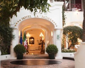 L'hotel La Palma di Capri passa di mano e rischia la chiusura estiva. Isola in rivolta