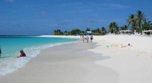 Lo Shoal Bay Villas di Anguilla riparte dopo l'uragano