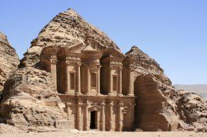 Petra, al via nuovi scavi per scoprire il cortile anteriore del Tesoro